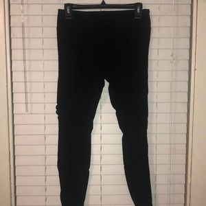 Pants - Cut out black leggings